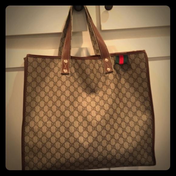 a8032afa2c2 Gucci Handbags - Vintage Gucci Supreme Tote